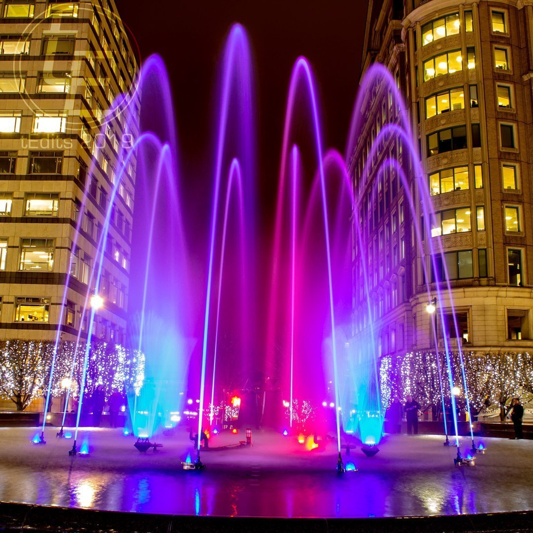 Cabot Square Fountain | Canary Wharf Winter Lights 2019